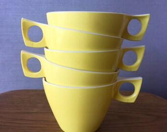 Set of 5 Yellow Ornamin Ware Melmac Plastic Picnic Cups 1970s