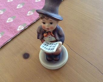 """Vintage M.I. Hummel Figurine """"Street Singer"""""""