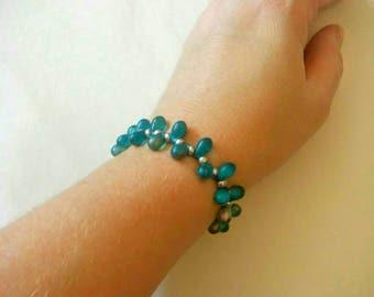 Beautiful Blue Glass Teardrop Bead Bracelet