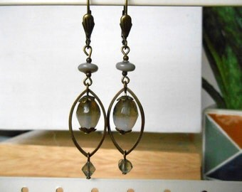 EARRINGS grey glass beads
