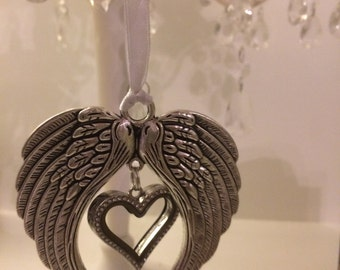 Hanging Angel wing heart locket