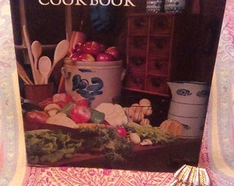 Vintage The ideals Family Cookbook Ninth Printing Wisconsin Printed and Bound in the U.S.A