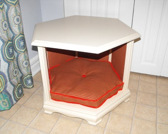 Haugie's Hexagonal Haven Pet Bed and End Table