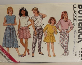 Vintage Butterick classic 4684 Girls sizes 12-14