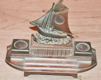 Former schooner in red bronze Inkwell