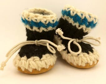 Newborn slippers, Crochet slippers, Sheepskin slippers, Toddler slippers, Cuff slippers, wool slippers, baby boy slippers, baby booties