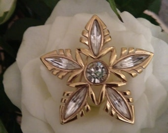 Vintage Napier Gold Tone Flower Head Sparkly Brooch - In Black Brooch Box.  Ideal Gift