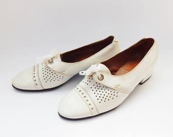 Saddle Shoes Oxford Shoes Rockabilly Shoes Spectator Shoes White Leather Shoes Womens Walking Shoes Comfortable Shoes Casual Shoes