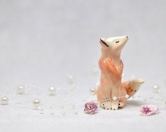 Red Fox Figurine - Miniature - Gold Details