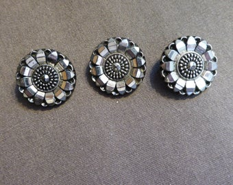 vintage pressed glass buttons,