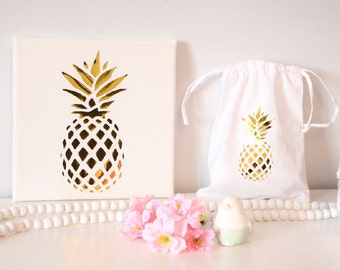 Frame and wrap pineapple gold