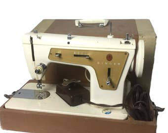 Vintage SINGER Fashion Mate Zig-Zag Model 237 Sewing Machine Foot Pedal and Case