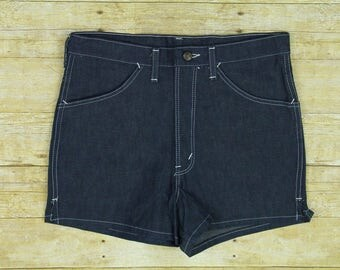Vintage 70s Deadstock Dee Cee Womens Size 33 High Waist Denim Shorts Made in USA