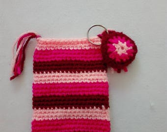 Cell phone cover, crocheted with trailer