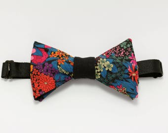 "Bow tie: ""on the trail of the customs officer in August"" Bowtie"