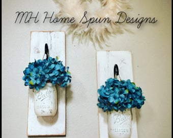 Distressed wood mason jar sconce set.