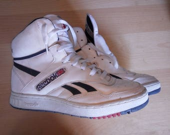 1986 Vintage Reebok BB 4600 high hi top basketball shoes size us 9, size eur 43 never used.
