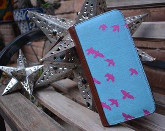 Leather wallet made with wrap Kokadi Erna im wunderland