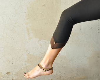 Leggings with Pointed Hem and Beads ~ Three-Quarter, Capri ~ black-brown