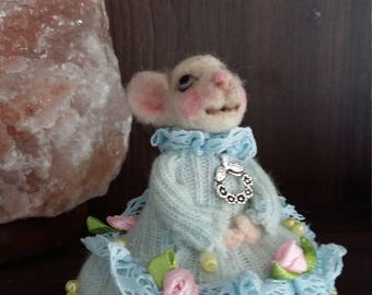 Sweet micy mouse pincushion