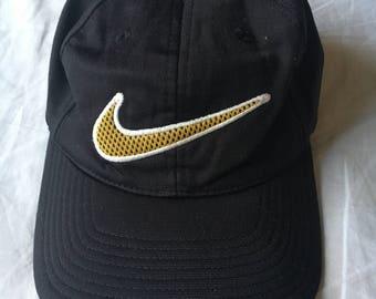 VINTAGE NIKE Yellow Swoosh cap