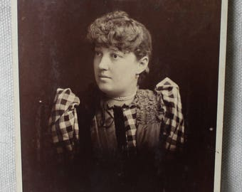 Victorian Cabinet Card Young Lady Wearing Pearls Checkered Puff Sleeves Late 1800s Chandler Scheetz Philadelphia Sepia Portrait Photograph