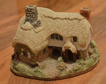Lilliput Lane Collectible- Ostlers Keep