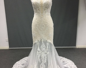 Ivory Lace and Tulle Wedding Gown