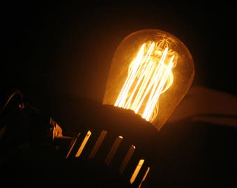 Incandescent light bulb | Photography