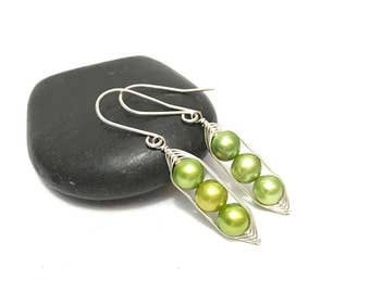 Mothers day gift // Pea pod earrings //  Three peas in a pod with green fresh water pearls   Pea pod jewelry, triplet jewelry, gift for mom