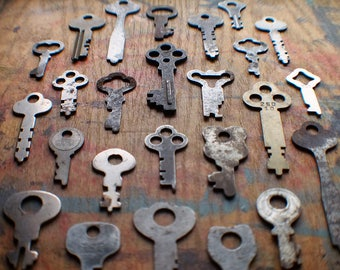Antique Flat Key Lot - Instant Collection - 25 Padlock Keys