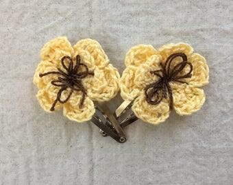 Flower Hair Clips-Butter Yellow