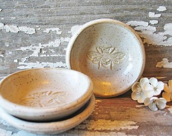 Bee Pottery Handmade Mini Bowl - Trinket Dish - Wedding Favor - Ring Bowl - Soy Dish