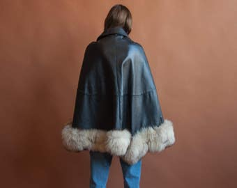 black leather faux fur trim cape / 60s fur trim cape coat / s / m / l / 2140o / R5