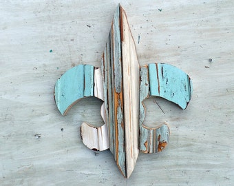 Mosaic Fleur de Lis, Boho Wall Art , New Orleans Symbol, Southern Decor, Reclaimed Wood Wall Art, Rustic Wall Art, Blue Fleur De Lis
