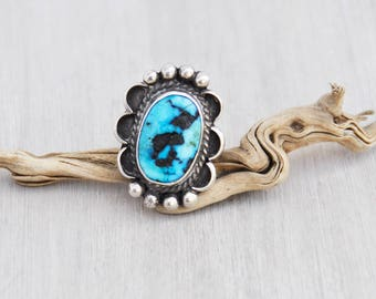 Vintage Turquoise Statement Ring - sterling silver scalloped frame rustic bright blue stone - Native American jewelry - Size 6.5