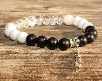Black Onyx, Howlite, Crystal Stretch Bracelet, Boho Bracelet, Stacking Bracelet, Yoga Bracelet, Healing Bracelet, Layering Bracelet