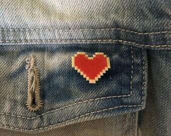 legend of zelda heart pin