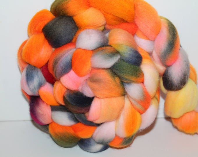Kettle Dyed Merino Wool Top. Super fine. 19 micron  Soft and easy to spin. 4oz  Braid. Spin. Felt. Roving. M217