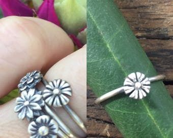 Daisy Flower Stacking Ring - Made To Order In Your Size