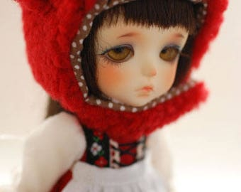 Latidoll yellow animal hat with fur chin strap - red sheep