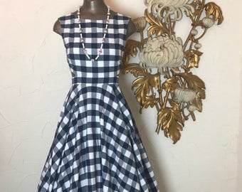 Fall sale Plaid dress 1950s style dress size small navy and white vintage dress cotton sundress 26 waist
