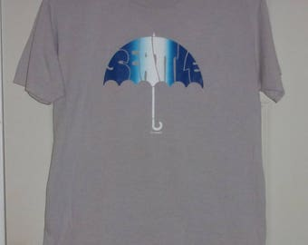 Vintage SEATTLE Ombre Umbrella Print T-shirt-Adult sz Large-Sandoval