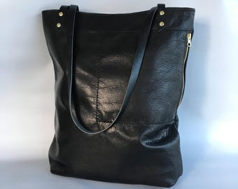 Large Camino leather tote bag in black - macbook pro bag