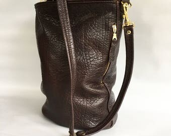 Leather bucket bag No. 022 in brown