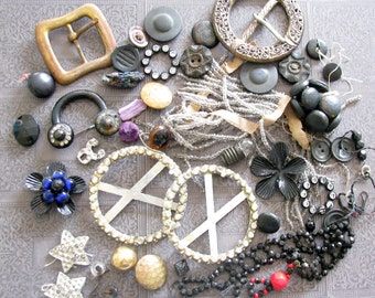 Artsy Supply...Vintage Junky Jewels, Buttons, & Beads for Projects