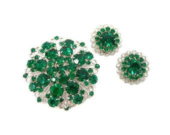 Emerald Green Rhinestone Brooch and Clip Earrings Set, Silvertone Setting, Vintage 1960s Fashion Costume Jewelry, Gift 4 Her, May Birthstone