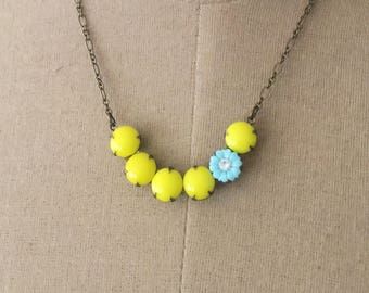 Retro Yellow Flower Necklace, Retro Pinup Style