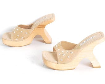 size 6 PLATFORM beige suede 90s WOOD sculptured CLOG sandals