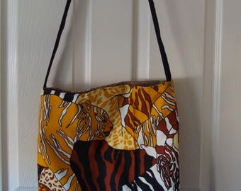 Check out this great Big Cat Tote Bag,  Go to the Beach, Mall, Flea Market, Spa!    18x15x4  MADE IN AMERICA